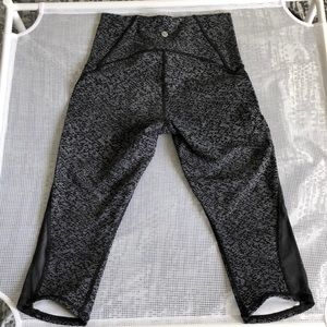 lululemon athletica Pants - Lululemon Capri Leggings